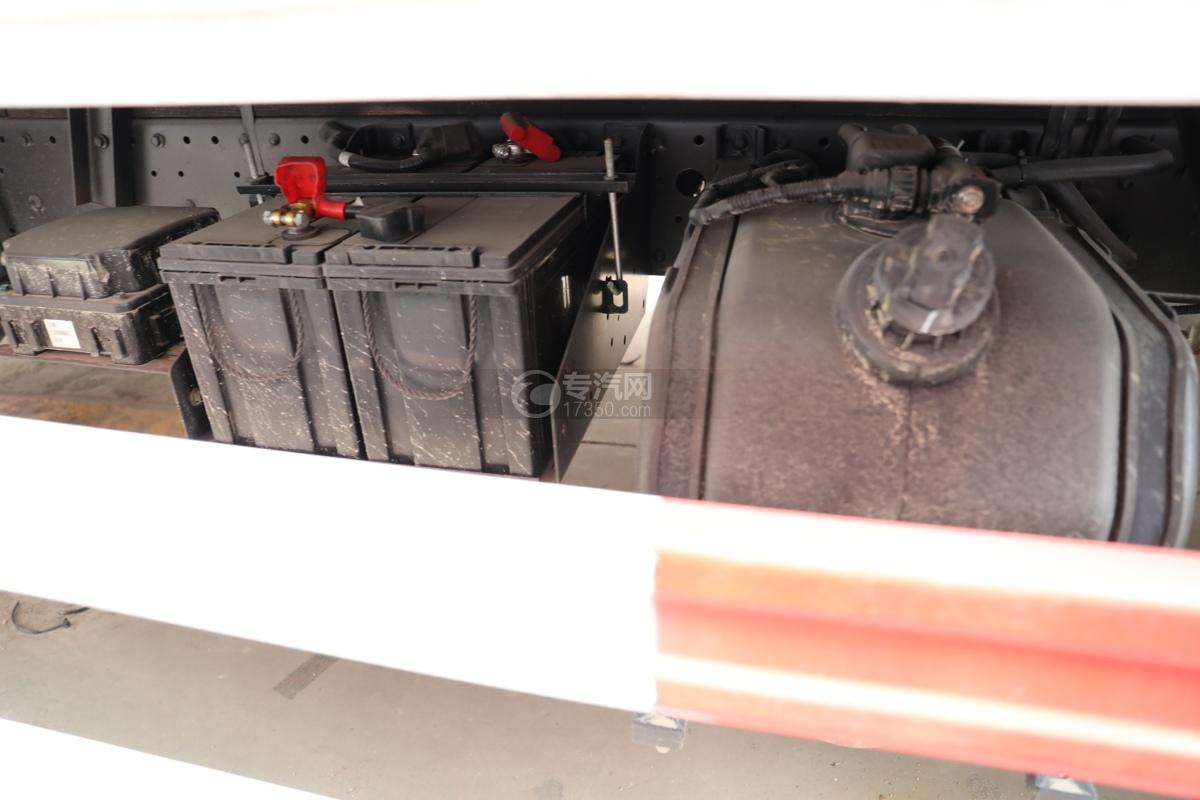 福田歐馬可S3國六4.1米易燃氣體廂式運輸車尿素罐