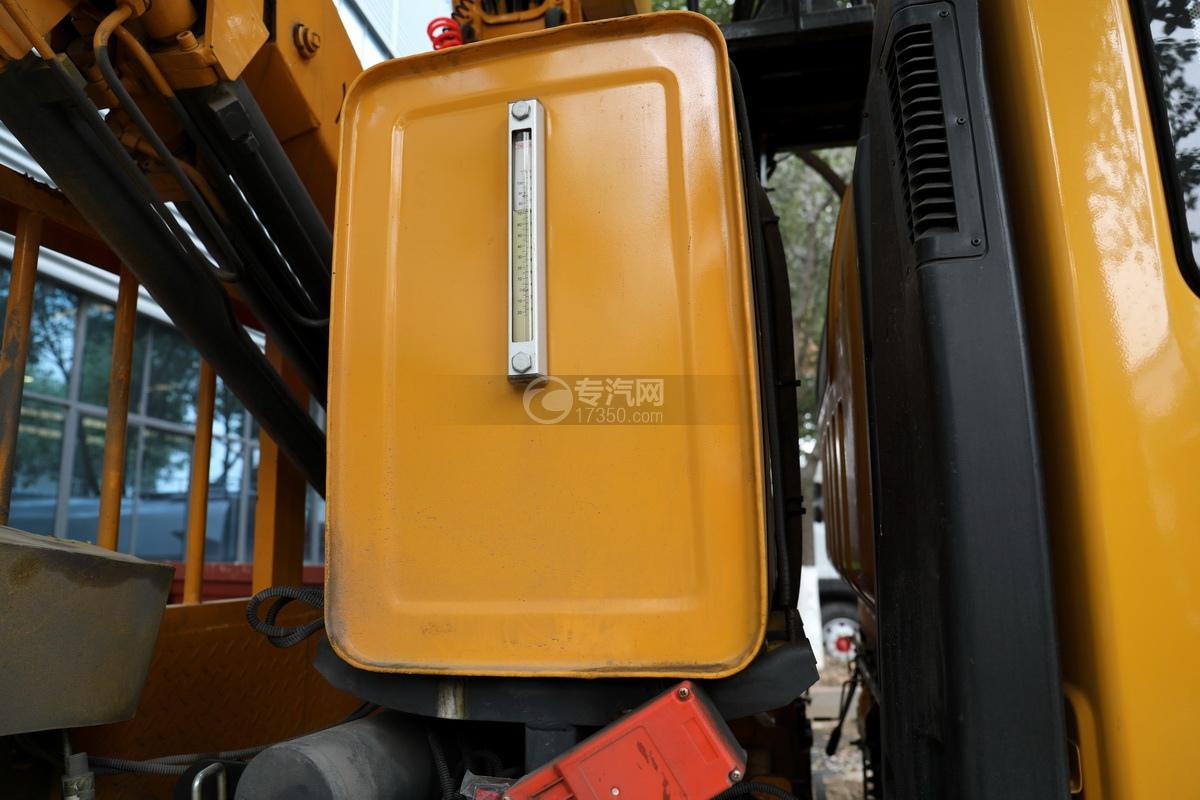 湖北大運運途國五4噸折臂隨車吊液壓油箱