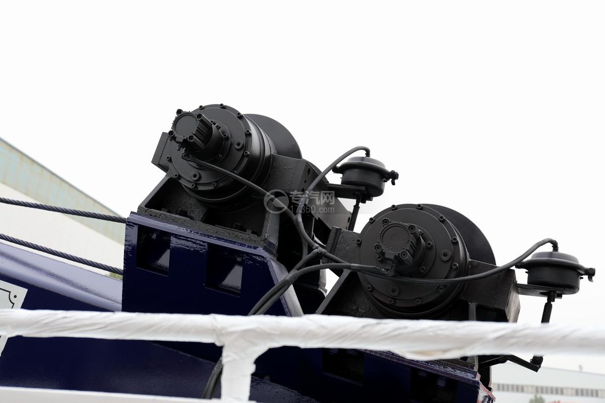 重汽HOWO前四后八國六拖吊聯體清障車液壓絞盤