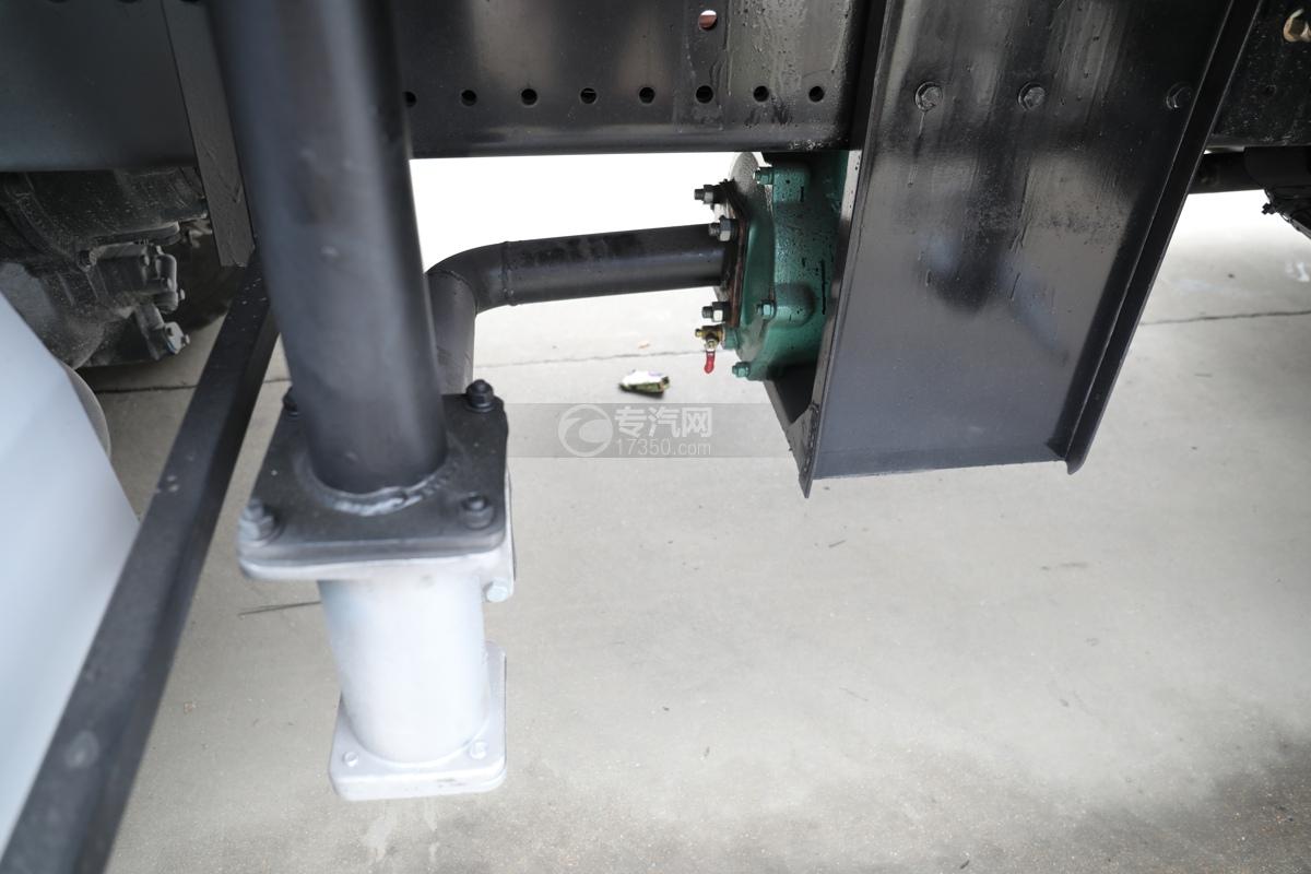 东风天龙KL后双桥国六14.05方路面清洗车洒水泵