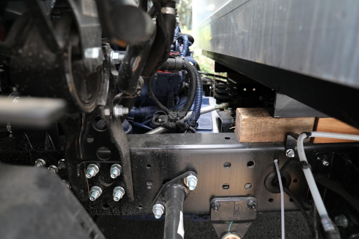 重汽HOWO悍将国六4.1米冷藏车发动机