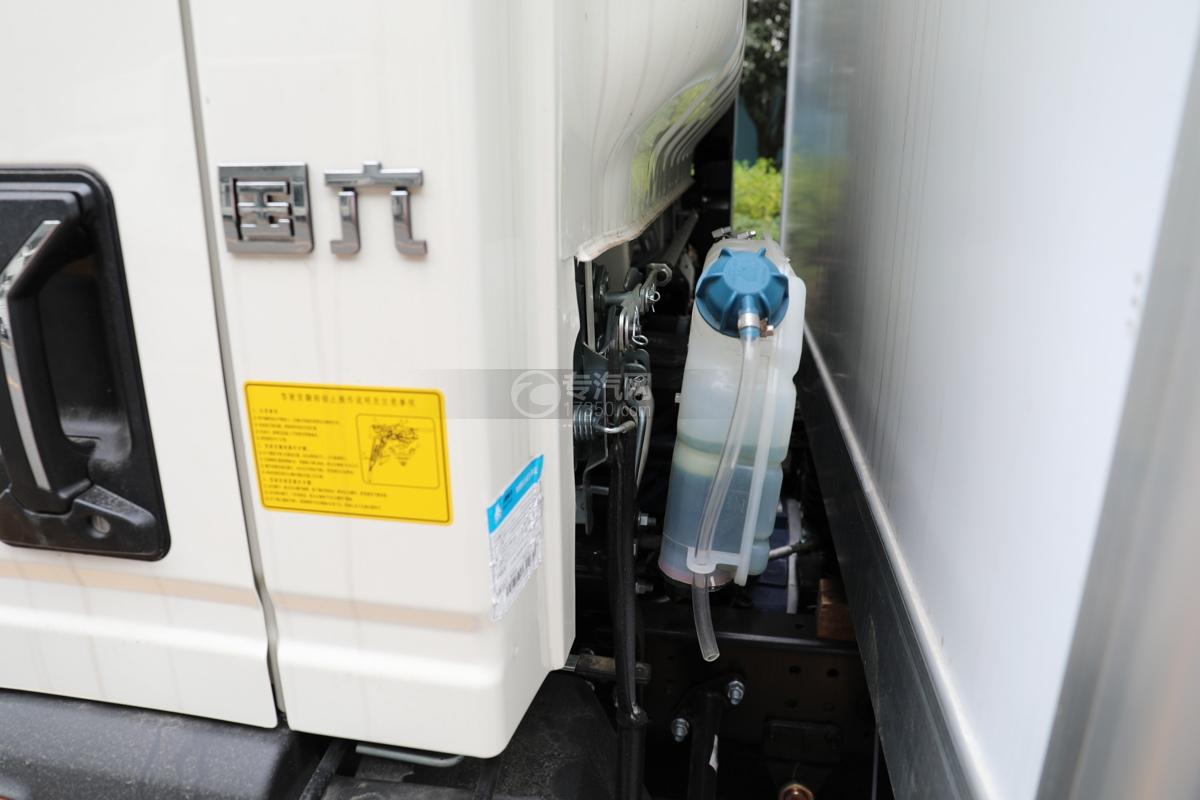 重汽HOWO悍将国六4.1米冷藏车防冻液