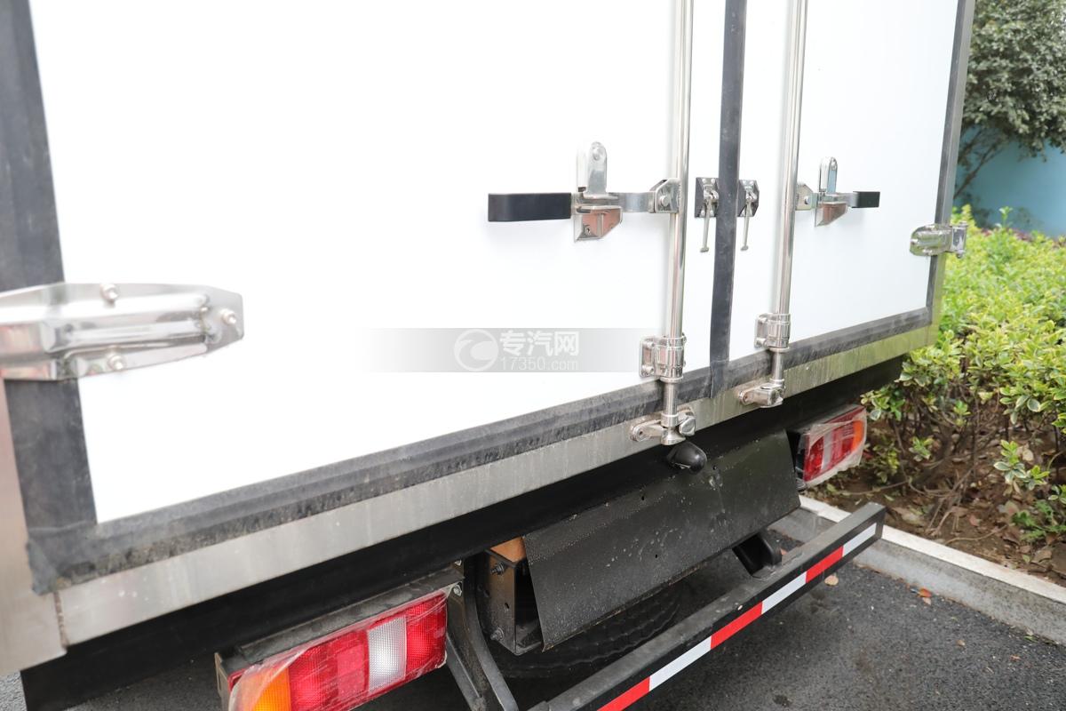 重汽HOWO悍将国六4.1米冷藏车后门