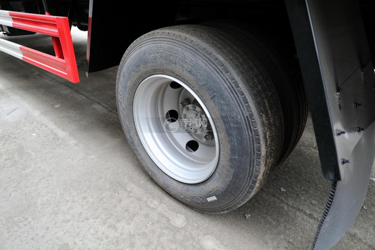 庆铃五十铃ELF国六畜禽运输车轮胎