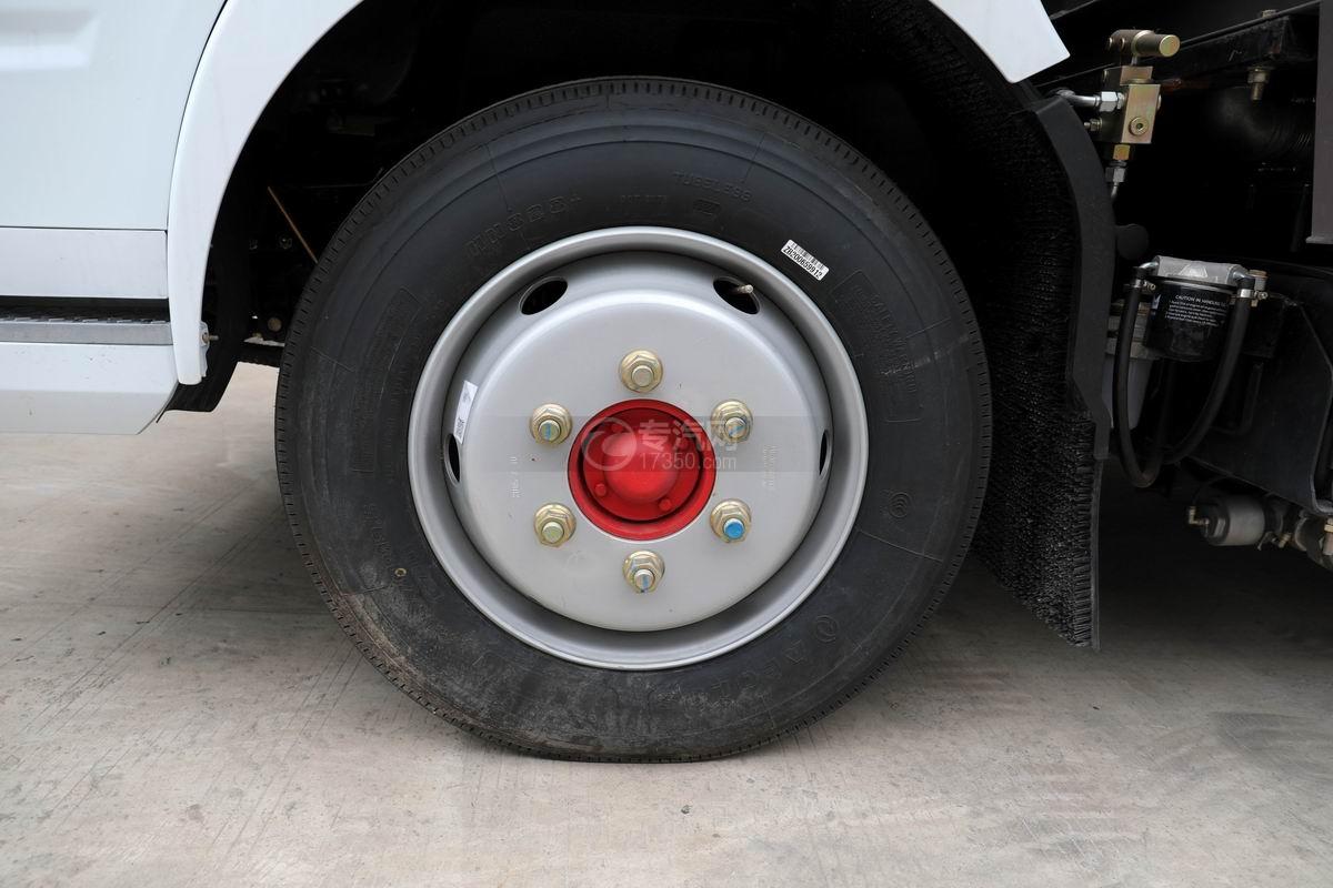 东风多利卡D7国六洗扫车轮胎