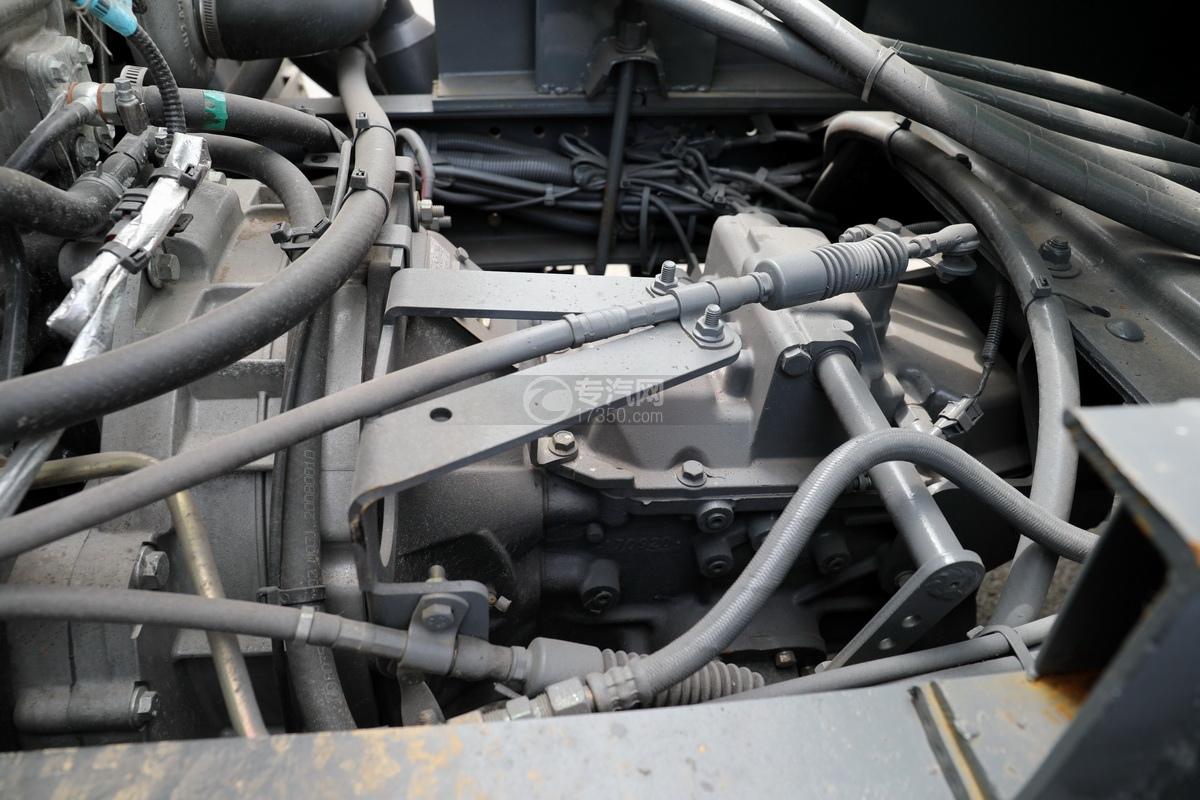 陕汽轩德X9单桥国六4.35方吸污车变速箱