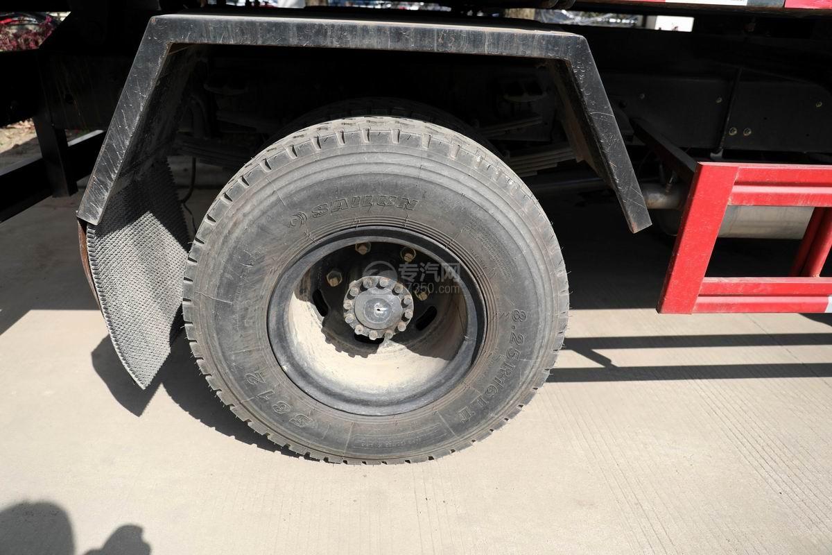 东风福瑞卡国六垃圾转运车轮胎