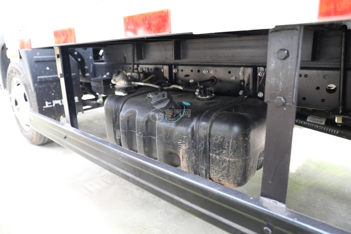 跃进福运S80国六3.36米气瓶运输车(仓栏式)油箱