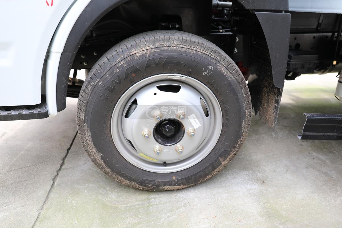 跃进福运S80国六3.36米气瓶运输车(仓栏式)轮胎