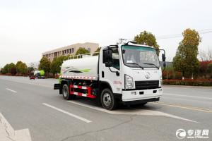 陕汽轩德X9国六5方绿化喷洒车试车视频