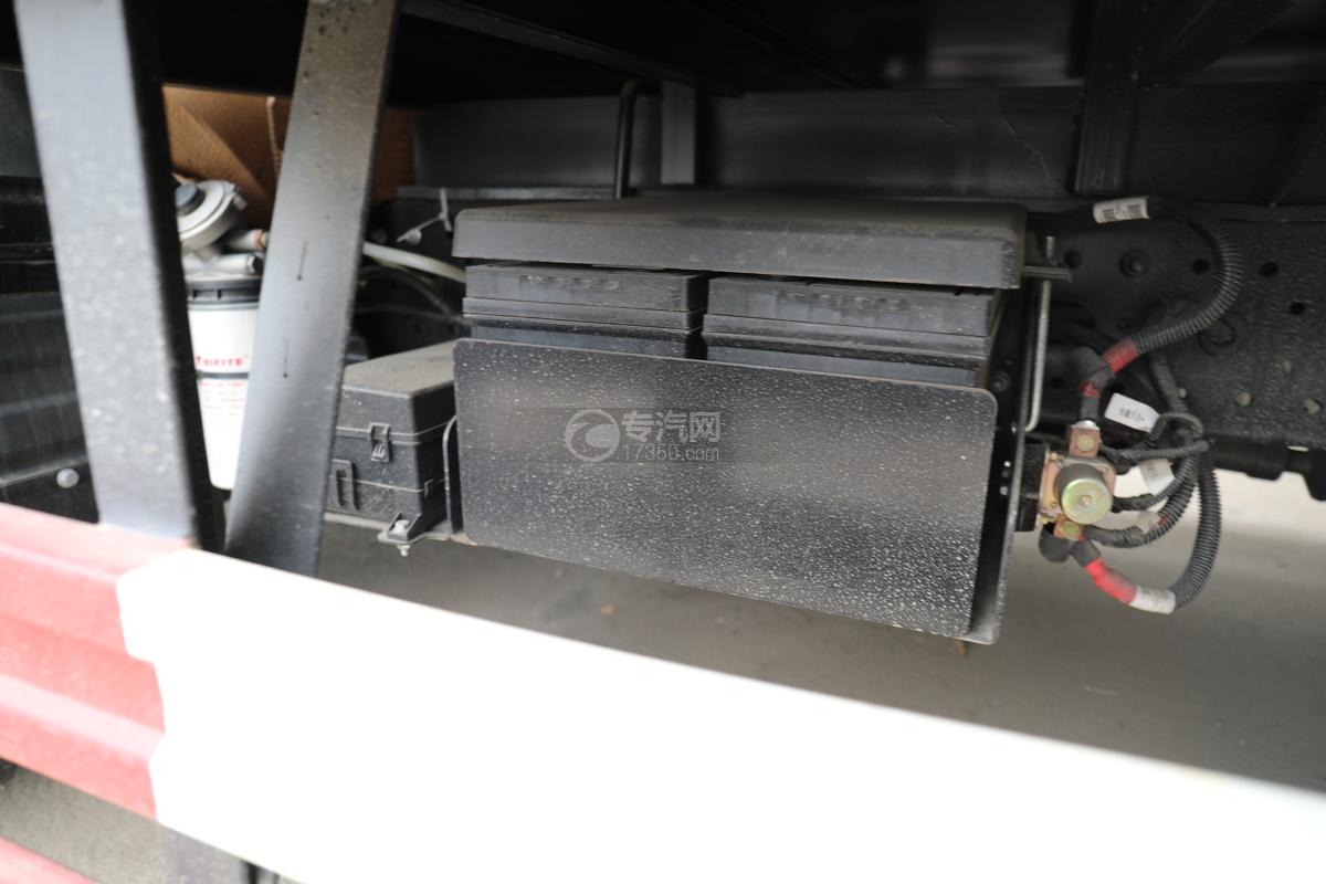 跃进超运C500国六4.1米杂项危险物品厢式运输车电瓶