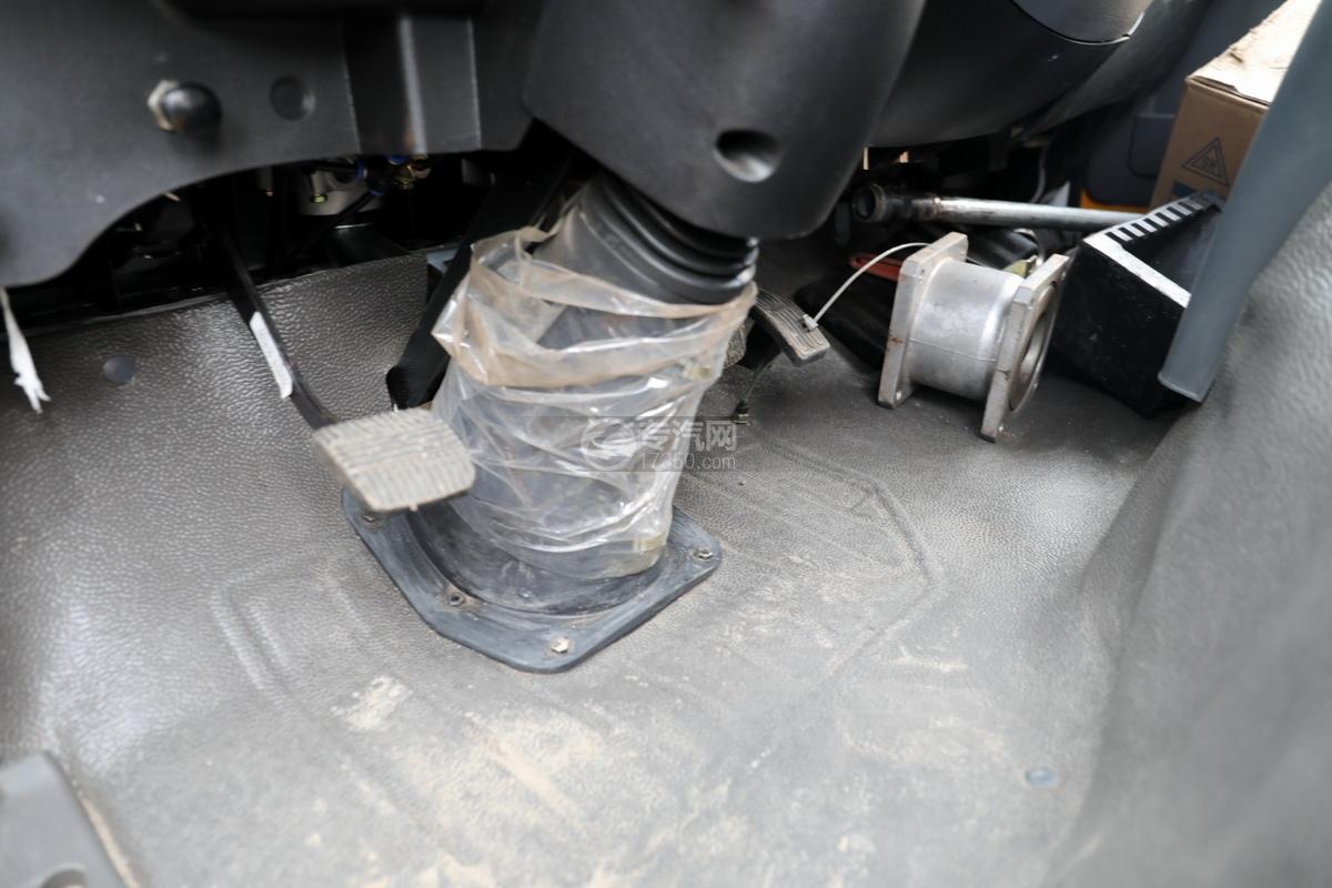 东风福瑞卡F6国六3.3方清洗吸污车制动踏板