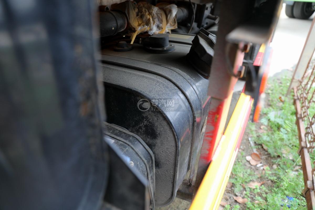 东风福瑞卡F6国六3.3方清洗吸污车油箱