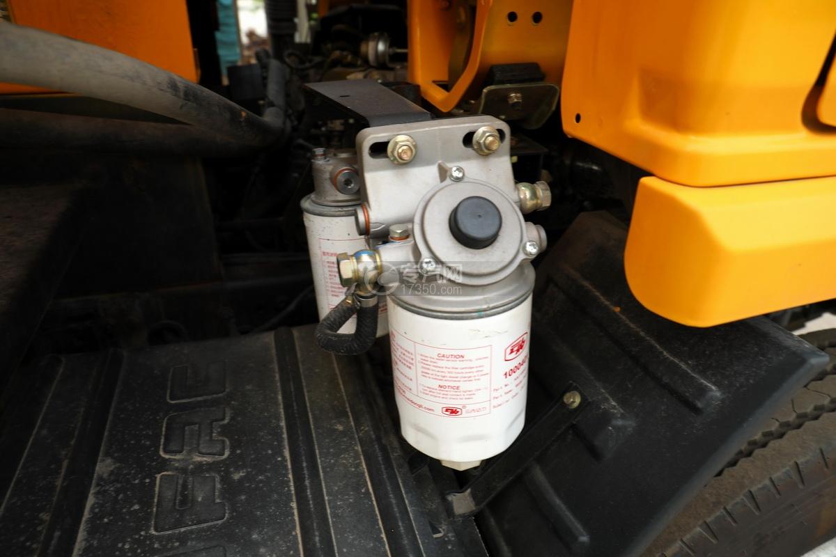 东风福瑞卡F6国六3.3方清洗吸污车细节