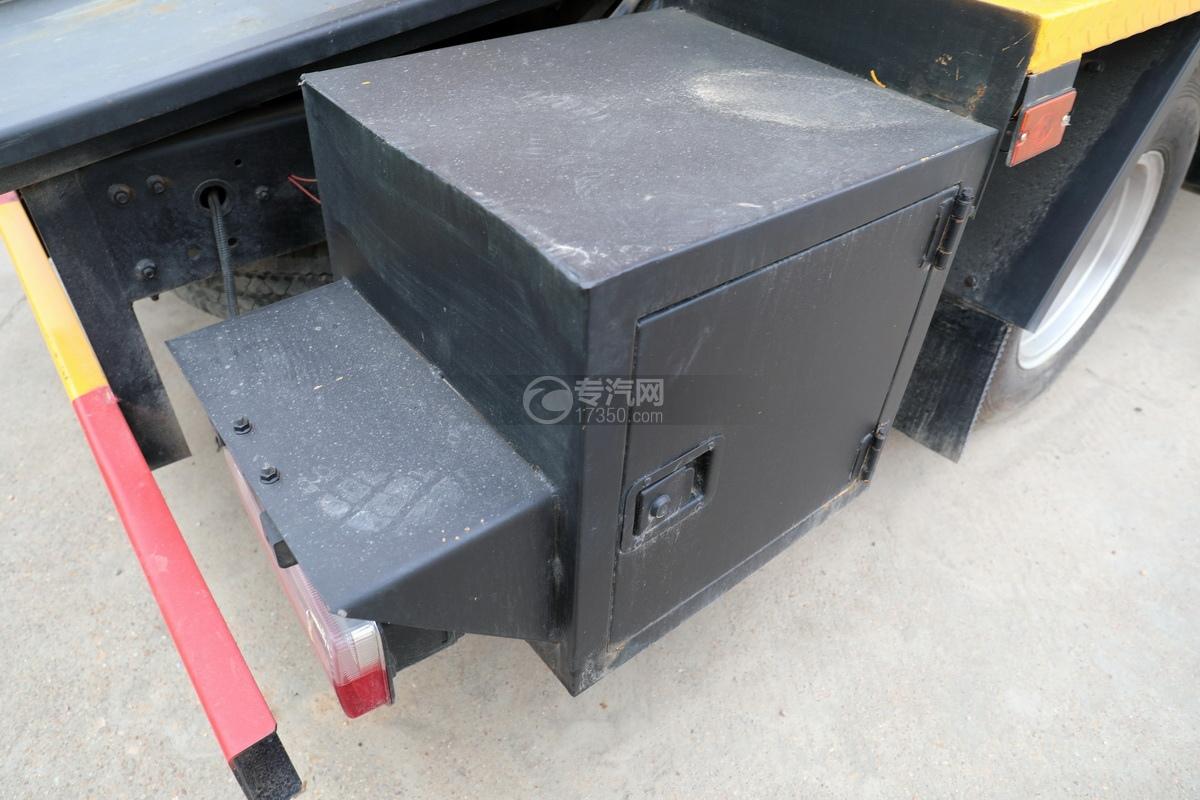 东风福瑞卡F6国六3.3方清洗吸污车操作箱