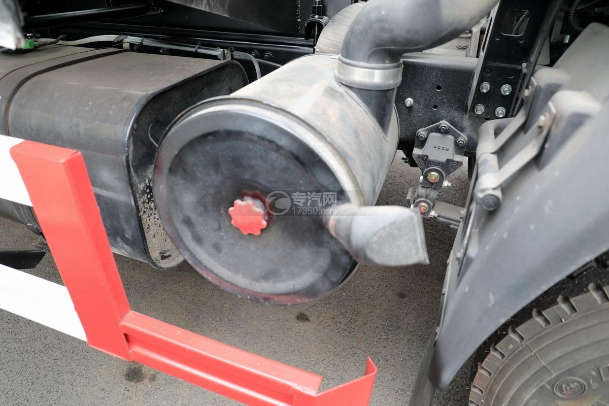 重汽豪沃悍将吸污车(出口)空滤