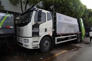 解放J6L單橋國六壓縮式垃圾車圖片