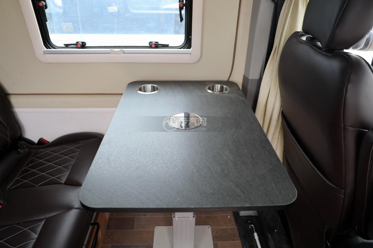 上汽大通V90国六B型房车升降桌子