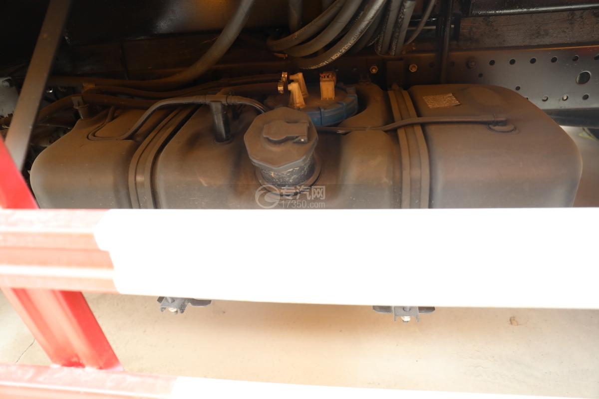 江淮康铃H3国六13.5米折叠臂式高空作业车油箱