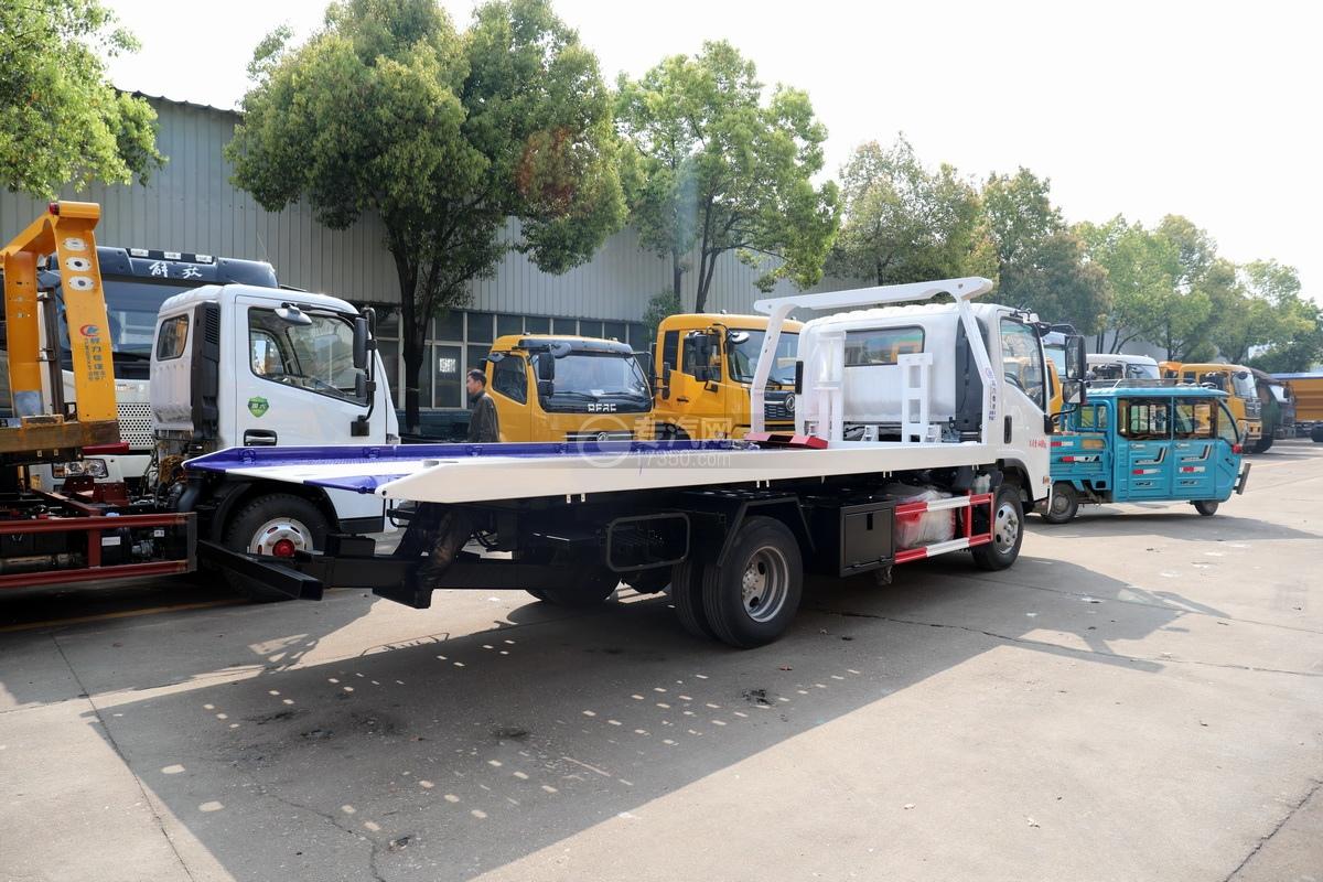 慶鈴五十鈴KV100國六一拖二藍牌清障車(白色)右后圖