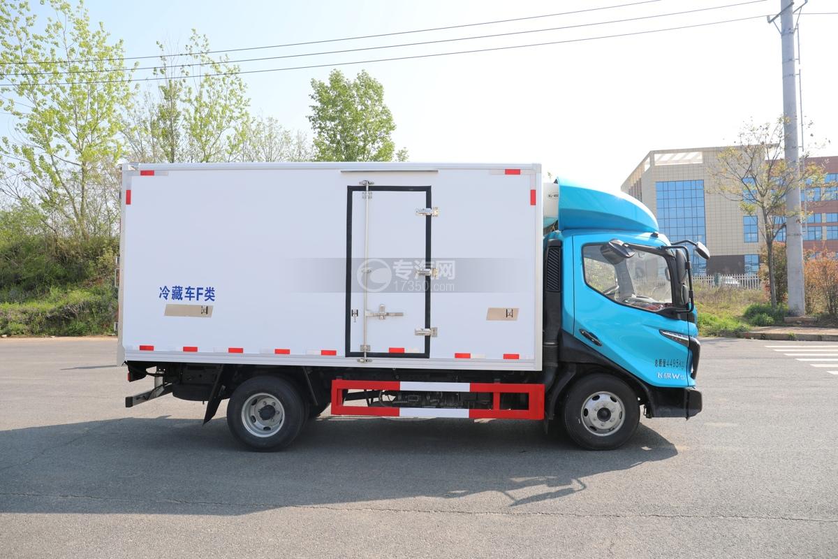 飞碟W5国六蓝牌4.085米冷藏车右侧图