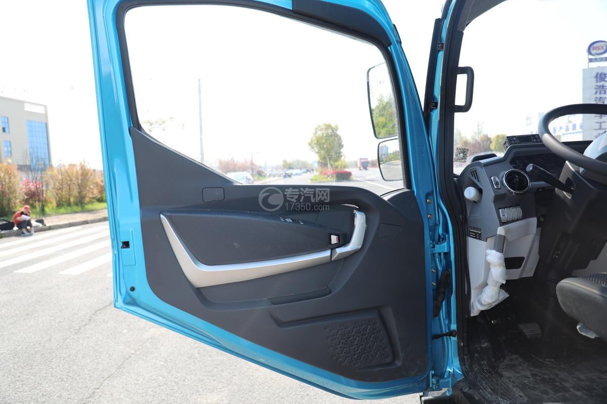 飞碟W5国六蓝牌4.085米冷藏车门窗