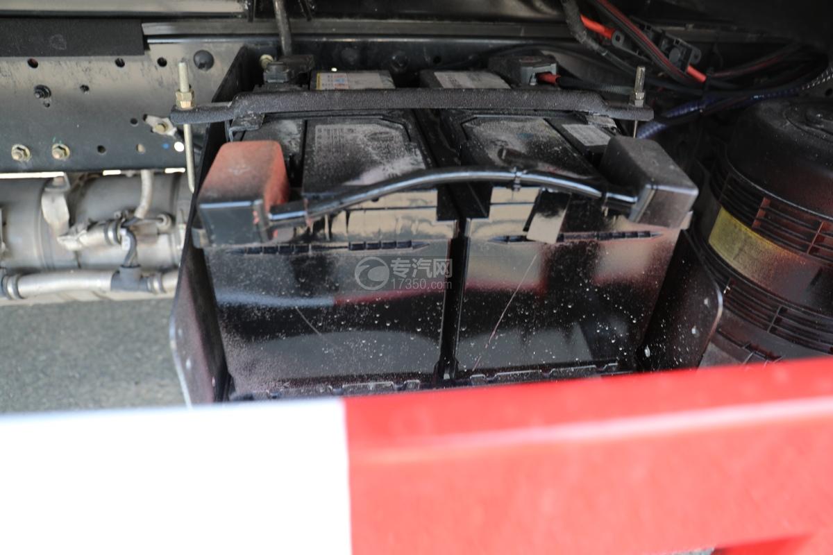 飞碟W5国六蓝牌4.085米冷藏车电瓶