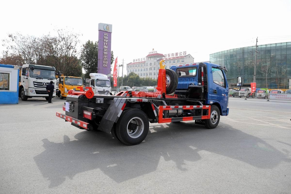 奧馳X2國六車廂可卸式垃圾車側后方圖