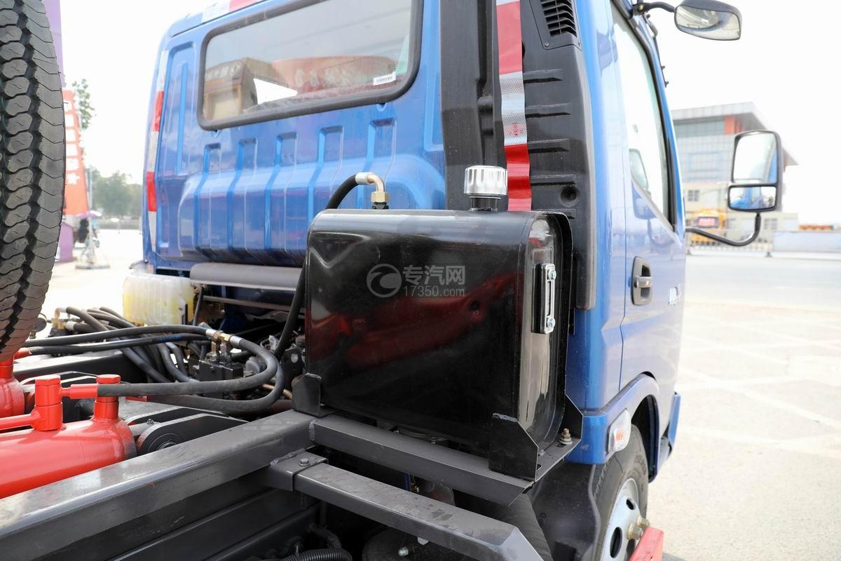 奧馳X2國六車廂可卸式垃圾車液壓油箱