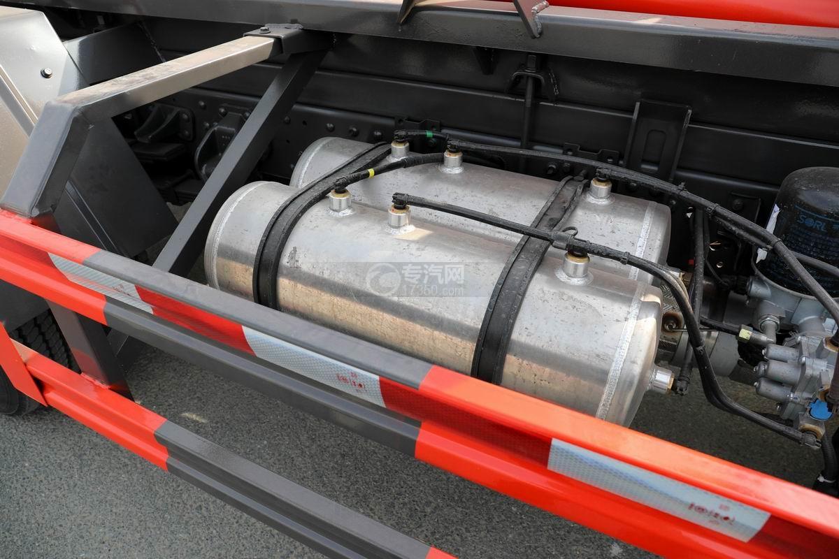 奧馳X2國六車廂可卸式垃圾車儲氣罐