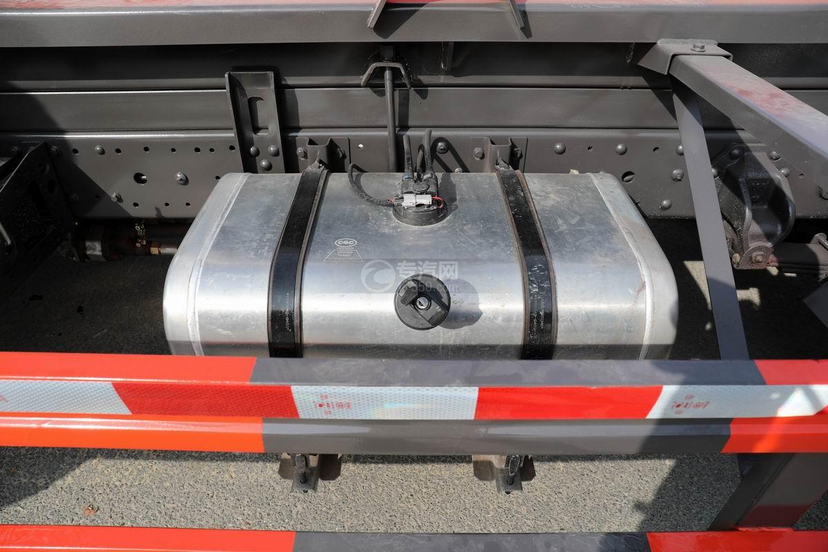 奧馳X2國六車廂可卸式垃圾車油箱