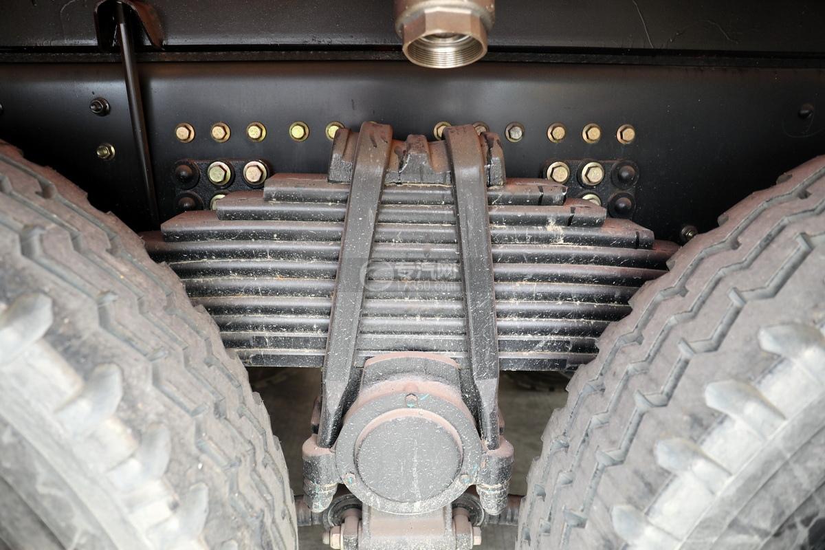 东风天龙KL后双桥国六17.8方清洗吸污车钢板弹簧