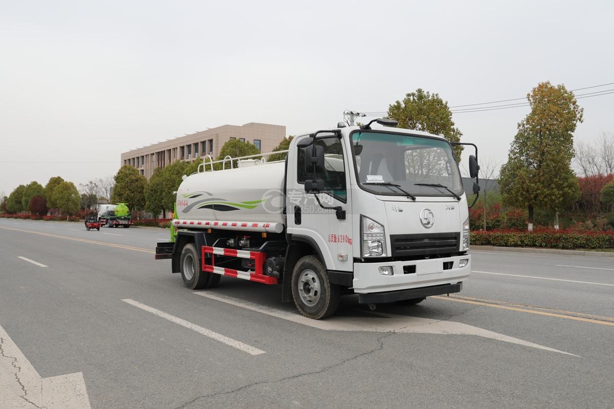 陕汽轩德X9国六5方绿化喷洒车右前图