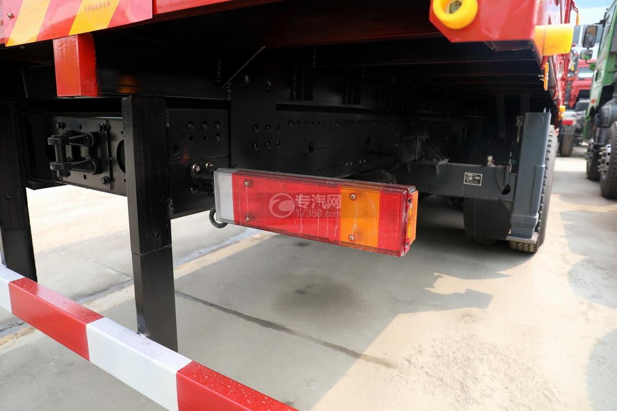 东风华神T5后双桥国六徐工12吨直臂随车吊(老款)尾灯