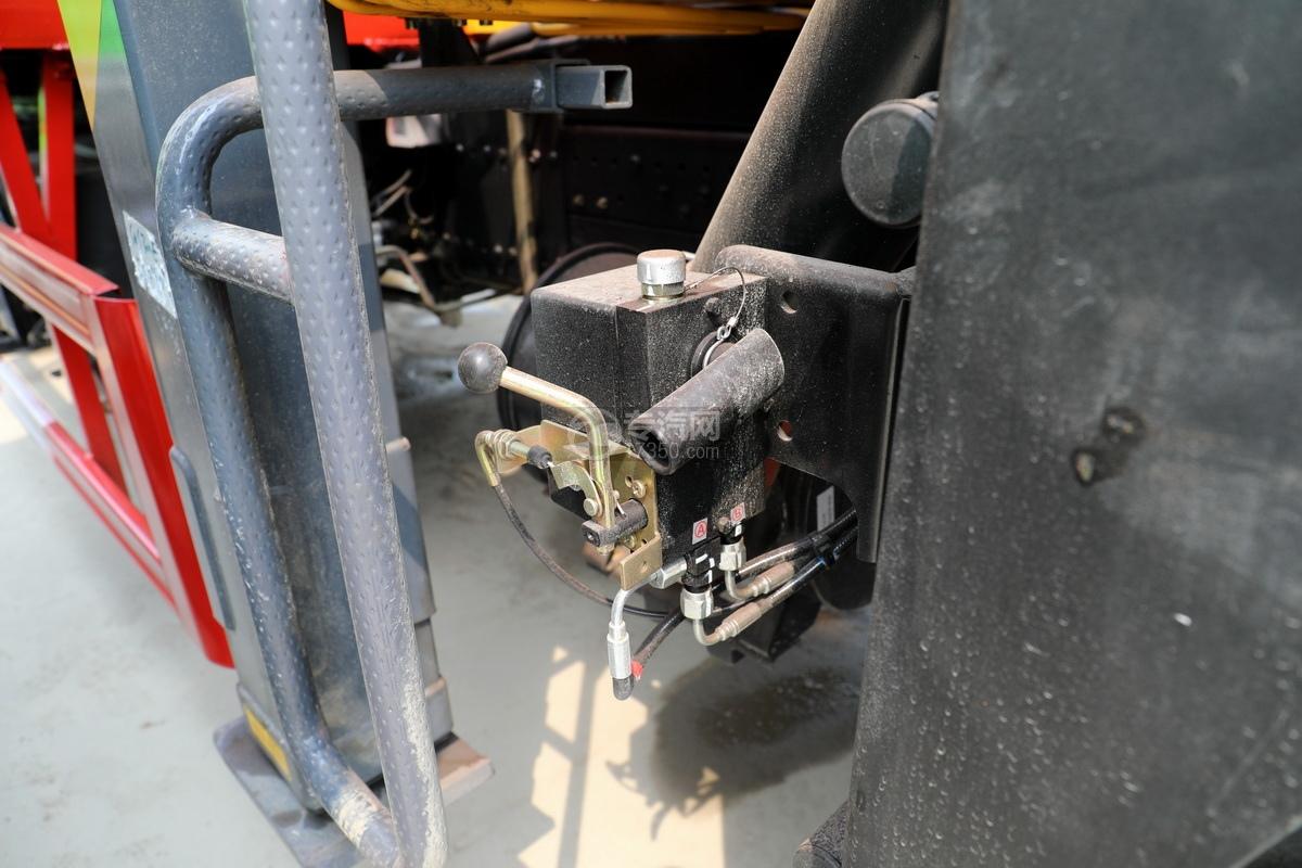 东风华神T5后双桥国六徐工12吨直臂随车吊(老款)驾驶室翻转装置