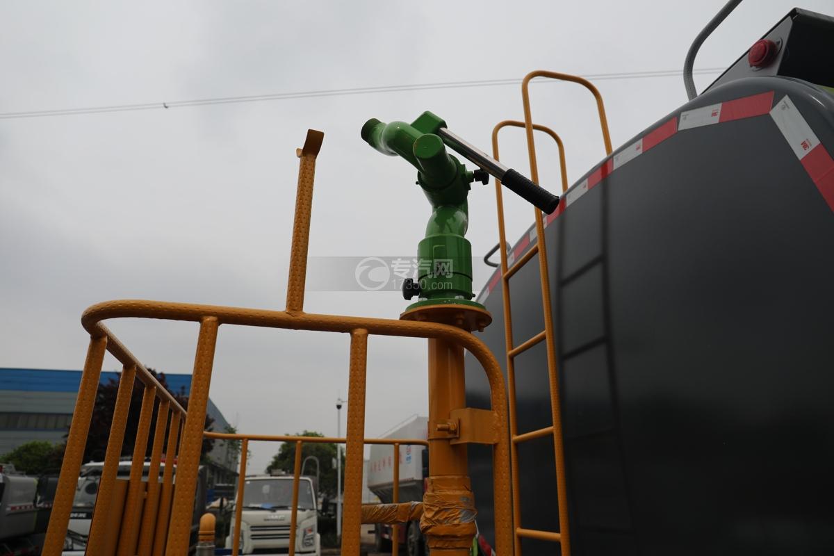 陕汽轩德翼6国六11.56方绿化喷洒车洒水炮