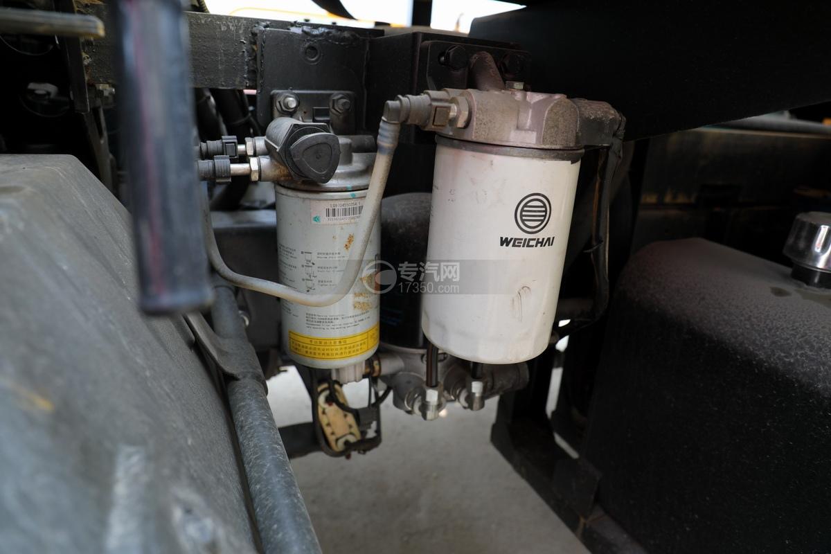 重汽豪沃单桥国六8.28方清洗吸污车细节