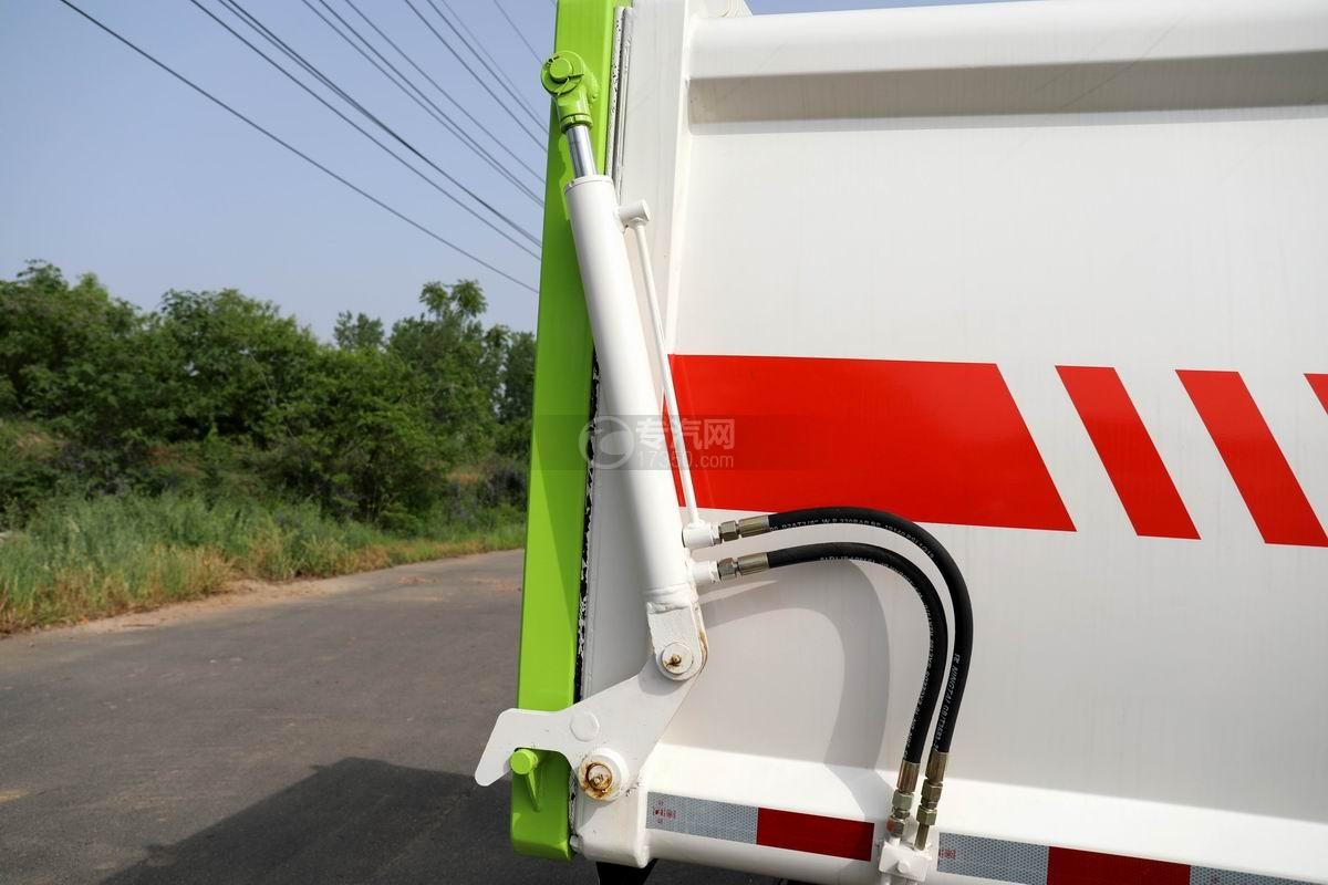 开瑞国六自装卸式垃圾车箱体液压开启