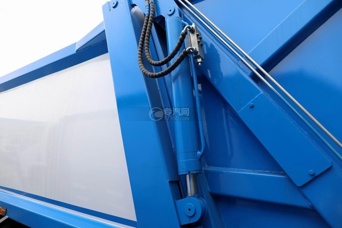 庆铃五十铃ELF国六压缩式垃圾车液压油缸