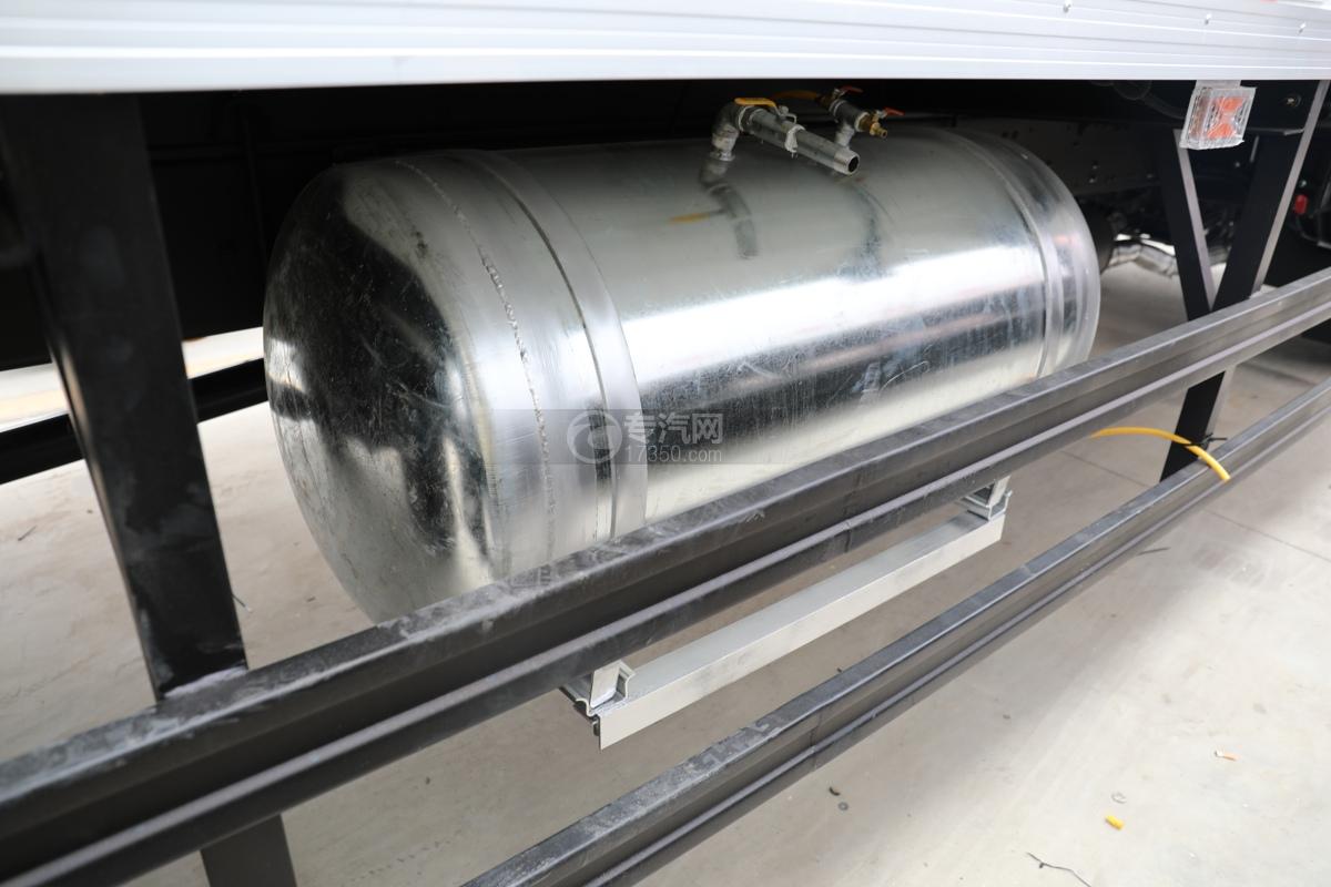 江淮格尔发A5X国五6.8米冷藏车洗手水箱