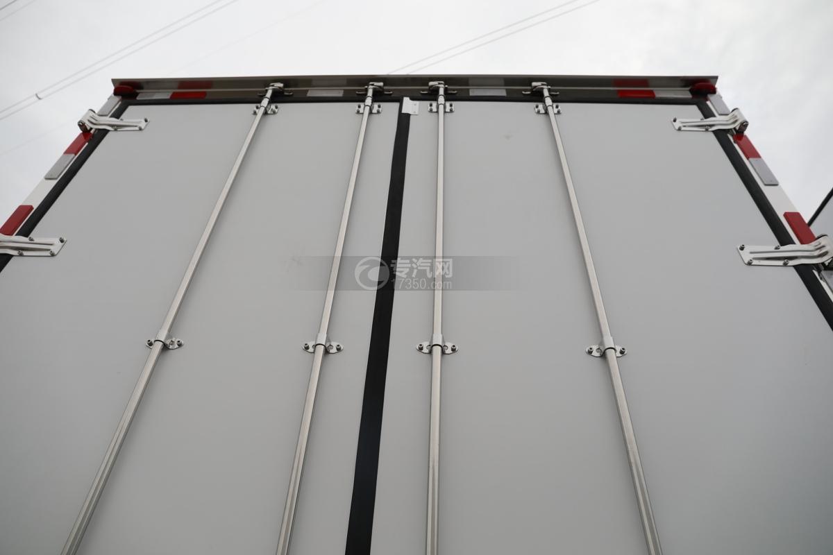江淮格尔发A5X国五6.8米冷藏车后门