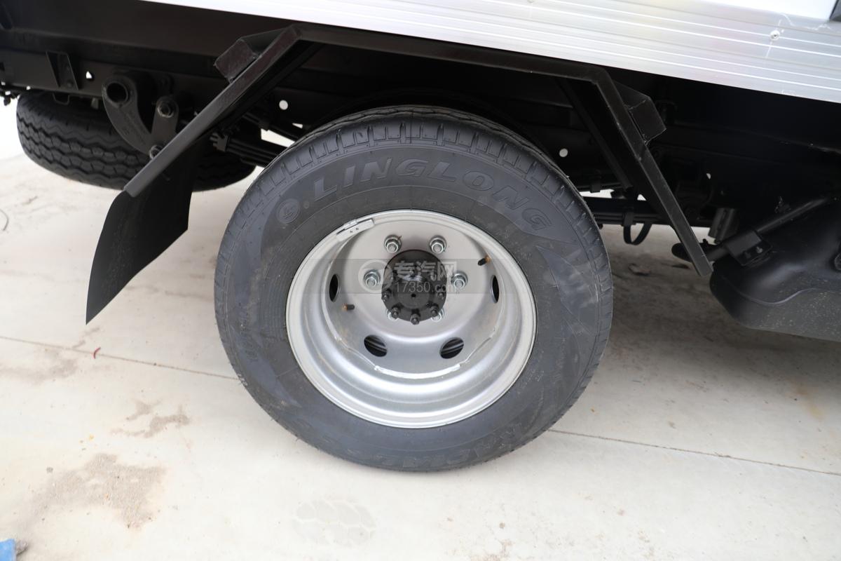 福田祥菱M2国六3.7米冷藏车轮胎