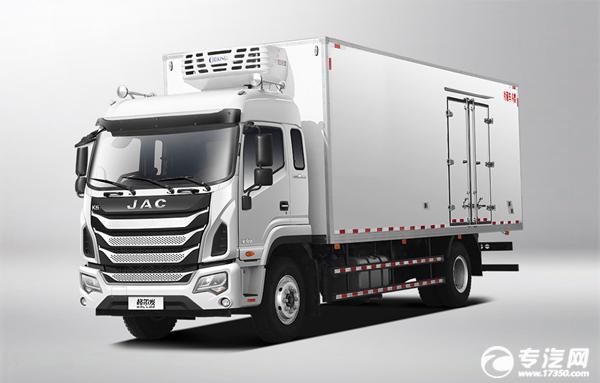 ?6.8米的冷藏車你更中意哪一款?