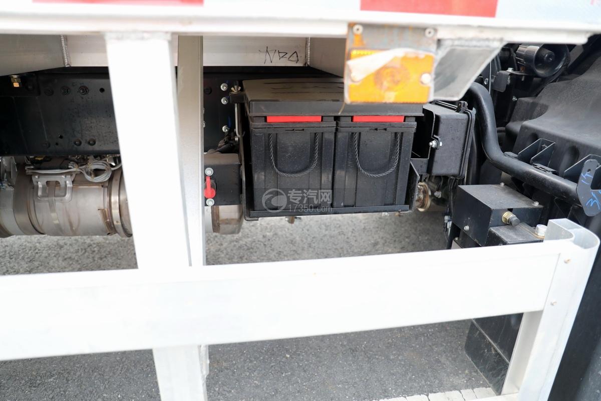 江淮格尔发A6L单桥国六铝合金畜禽运输车蓄电池