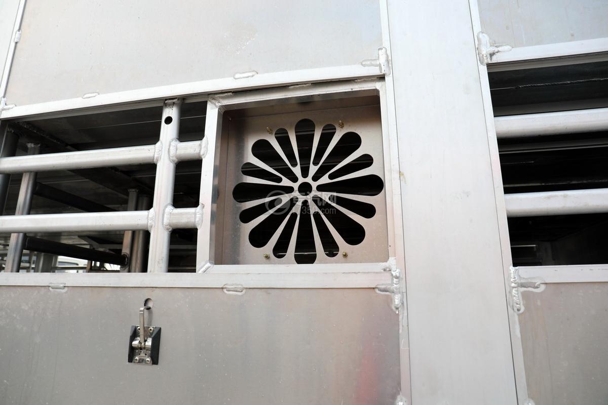 江淮格尔发A6L单桥国六铝合金畜禽运输车排气扇