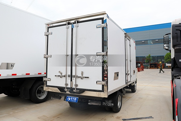 福田祥菱M2国六3.7米冷藏车右后图