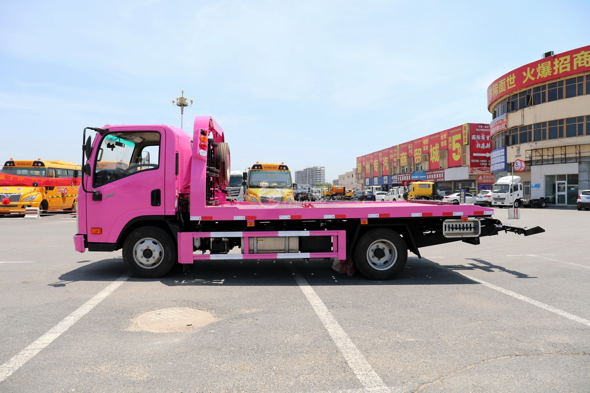大运新奥普力国六一拖二蓝牌清障车(粉红色)左侧图