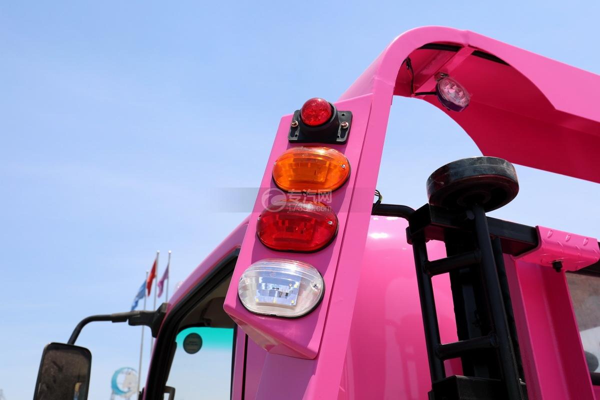 大运新奥普力国六一拖二蓝牌清障车(粉红色)警示灯