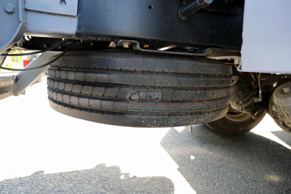 东风福瑞卡F7国六6.08方加油车备胎