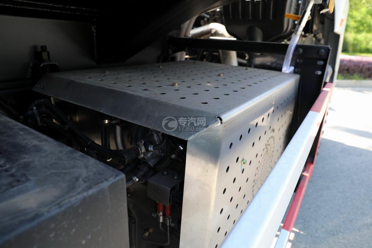 东风锦程V6P后双桥国六21方运油车尾气处理装置